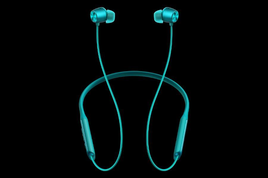 relame buds wireless pro blue front ریلمی بادز ایر پرو و بادز وایرلس پرو معرفی شدند