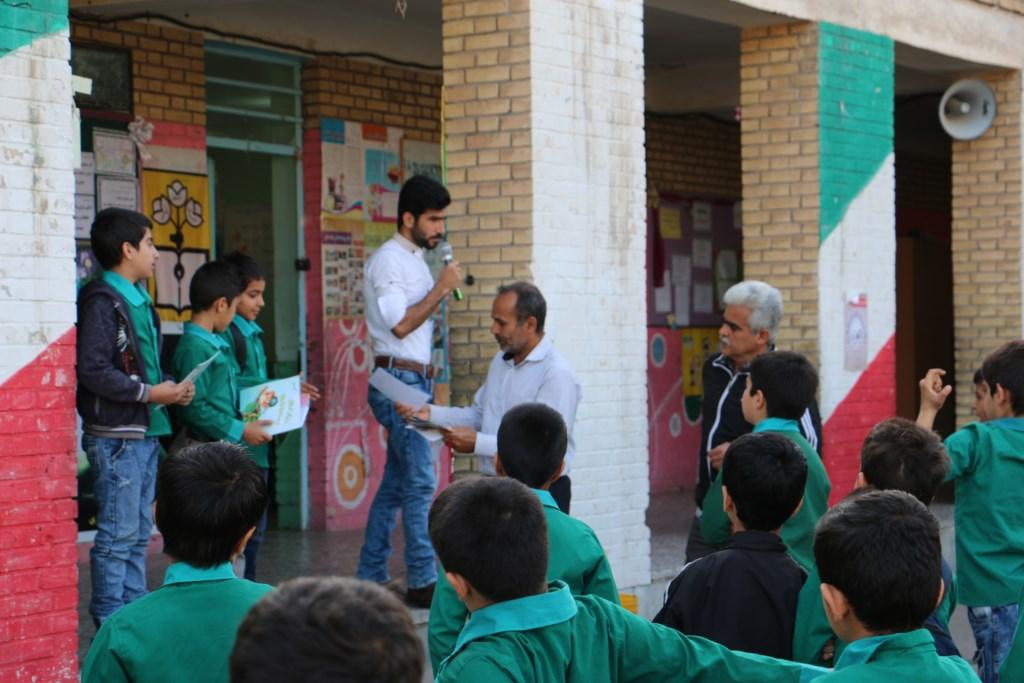 آموزش محیط زیست و منابع طبیعی در دبستان دعبل خزائی شوش توسط انجمن دوستداران شهر و طبیعت شوش+ساسان ساکی