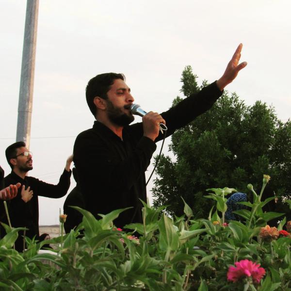 مهران بارانی مداح بروات شهرستان بم شهربروات در گلزار شهدا بروات هیئت عزاداران حسینی بروات