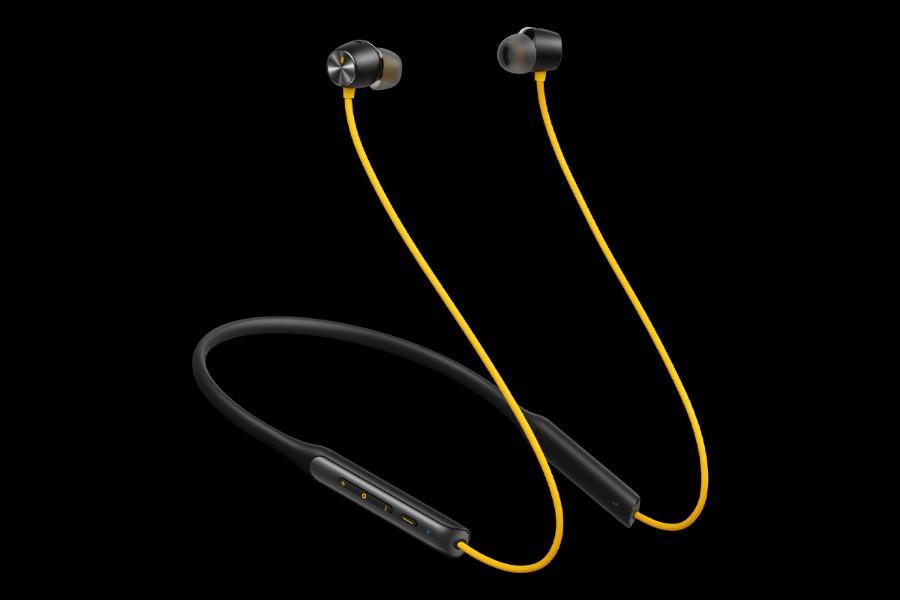 relame buds wireless pro yellow side front ریلمی بادز ایر پرو و بادز وایرلس پرو معرفی شدند