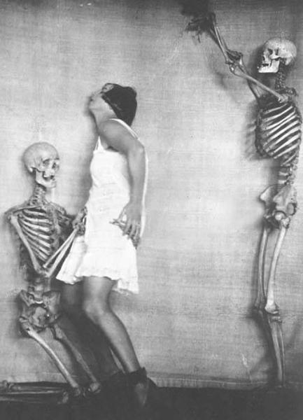 ملکه ویکتوریا و عکاسی با مردگان!