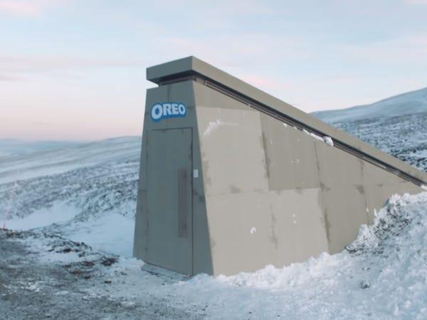oreovault2 02 Oreo برای محافظت از بیسکویتها انبار ضد شهابسنگ در نروژ ساخت