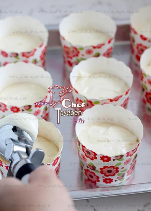 strawberry_cupcake_(5).jpg